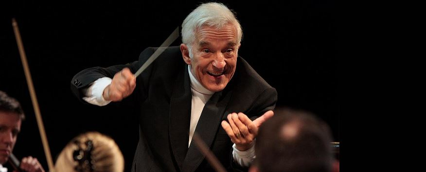 Vladimir Ashkenazy conducts the Athens State Orchestra